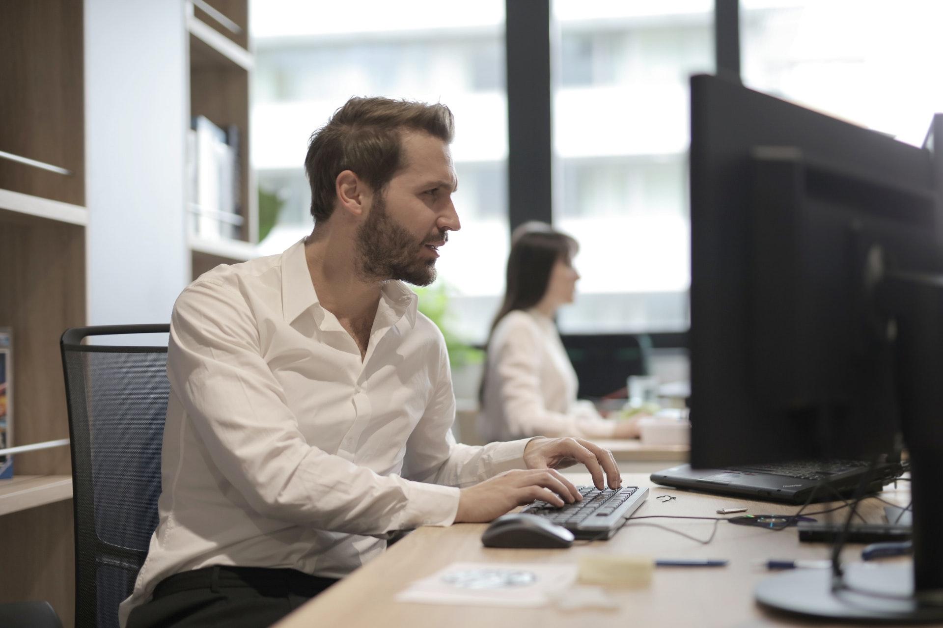 Wat is het verschil tussen een werkplek op basis van Microsoft 365 en onze online werkplekken?